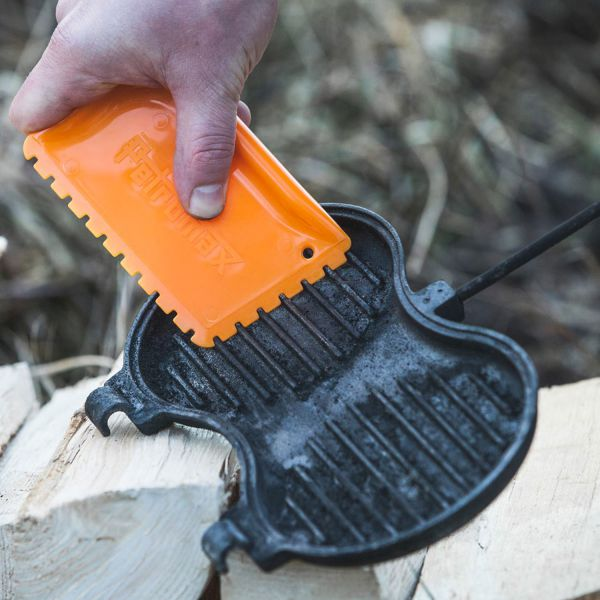 orange Petromax Schaber für Feuertöpfe Pfannen